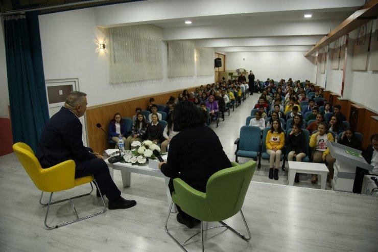 Başkan Çelik ortaokul öğrencileriyle buluştu