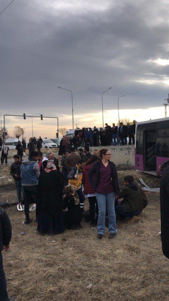 Kamyonla otobüs çarpıştı: 19 yaralı