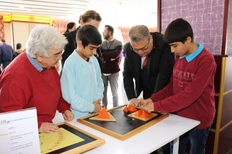'Herkes için Matematik' sergisi yoğun ilgi gördü