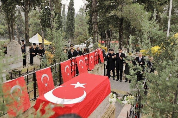 Şehit Kamil İLE Özdemir Bey törenle anıldı