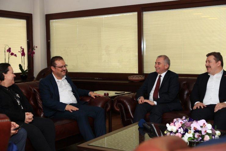AK Parti Genel Başkan Yardımcısı Abdurrahman Öz'den Başkan Zolan'a ziyaret