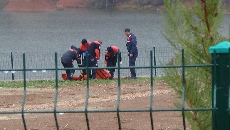 Gölete düşen kadın suda boğularak hayatını kaybetti