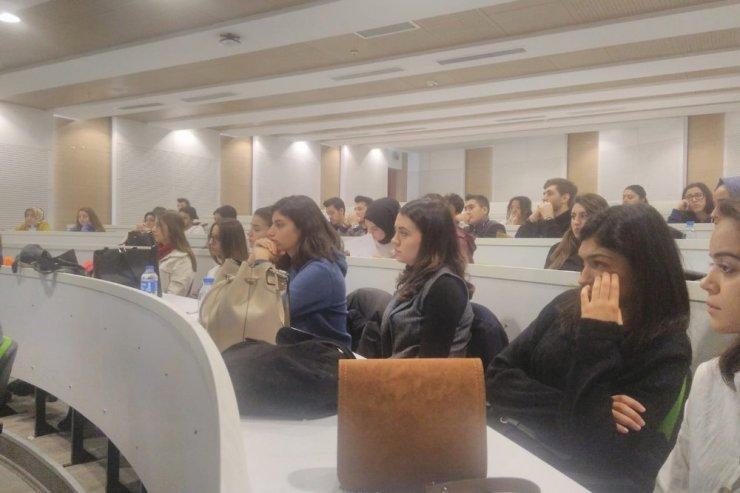 """Öğrencilere """"Yaşam Kurtarma Zinciri Nerede Kopuyor"""" semineri"""