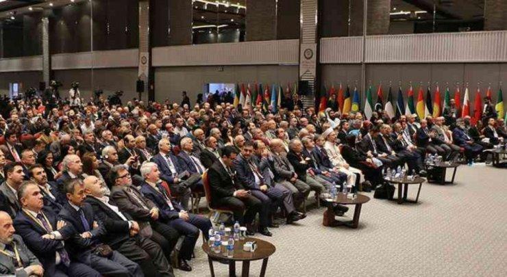 DPÜ Rektörü Uysal, Uluslararası İslam Birliği Kongresi'ne katıldı