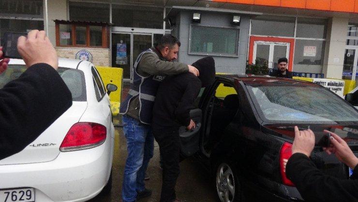 Kuyumcu hırsızı polisin dikkati sayesinde yakalandı