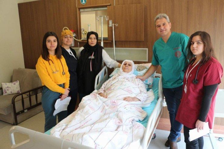 Kanser hastası kadın, Siirt'te ilk kez yapılan ameliyatla sağlığına kavuştu