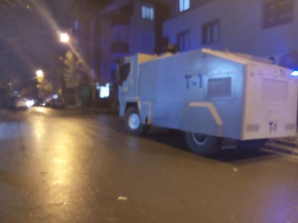 Tacizle suçlanan kişi, serbest kalınca mahalleli tepki gösterdi