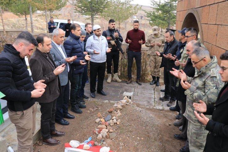 Çaldıran heyetinden şehit Eren Öztürk'ün ailesine ziyaret