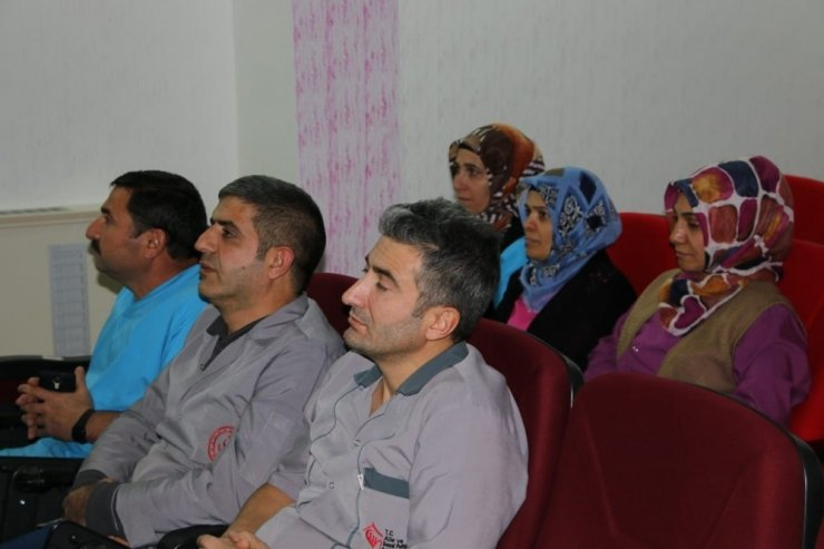 """Elazığ'da """"Kadına Yönelik Şiddetle Mücadele"""" eğitimi"""