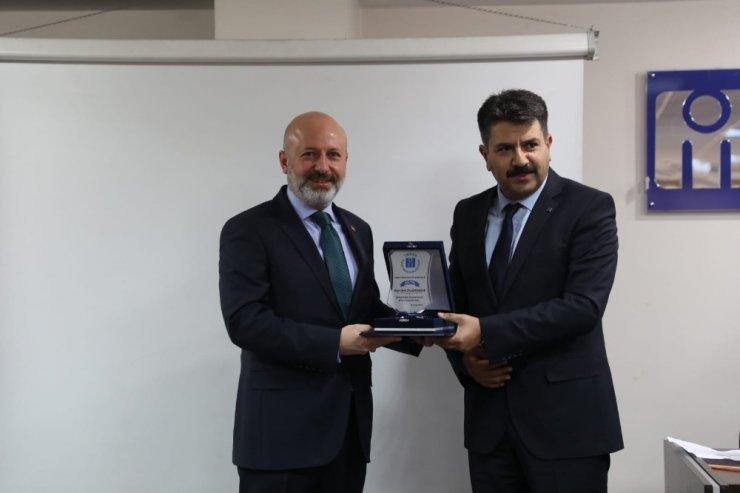 Başkan Çolakbayrakdar'a meslekte 25. yıl onur ödülü