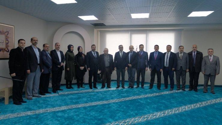 AK Partili Bekle, Konak'taki mescidi ibadete açtı