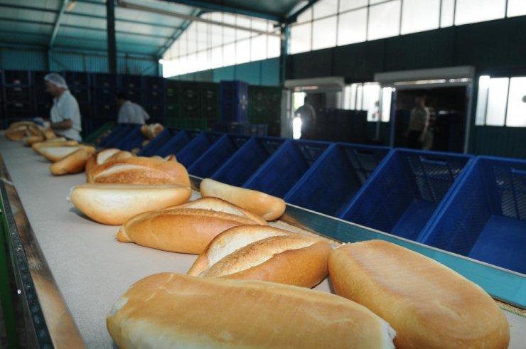 Kepez ekmeğini satıyor, eğitim bursu veriyor