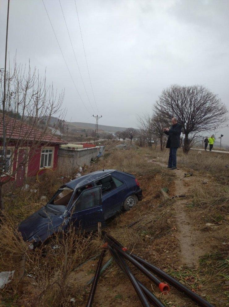 Otomobil şarampole düştü: 1 ölü, 2 yaralı