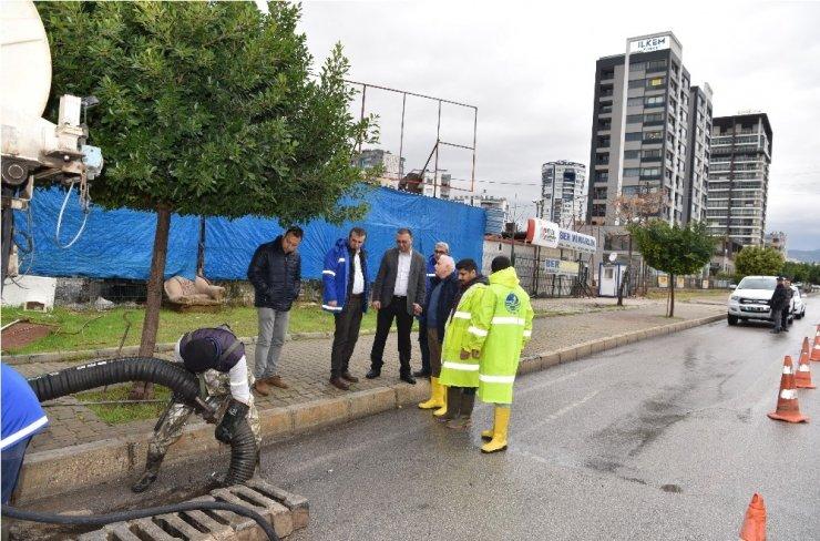 MESKİ Genel Müdürü Alkaç, kuvvetli yağış sonrası incelemelerde bulundu