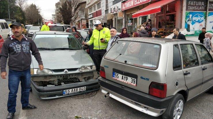 Samsun'da hastane önünde kaza: 2 yaralı