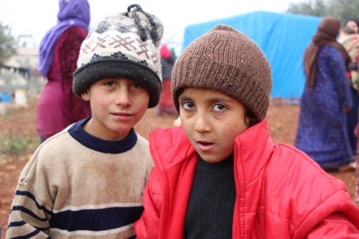 İdlib'ten sınıra yoğun göç dalgası sürüyor