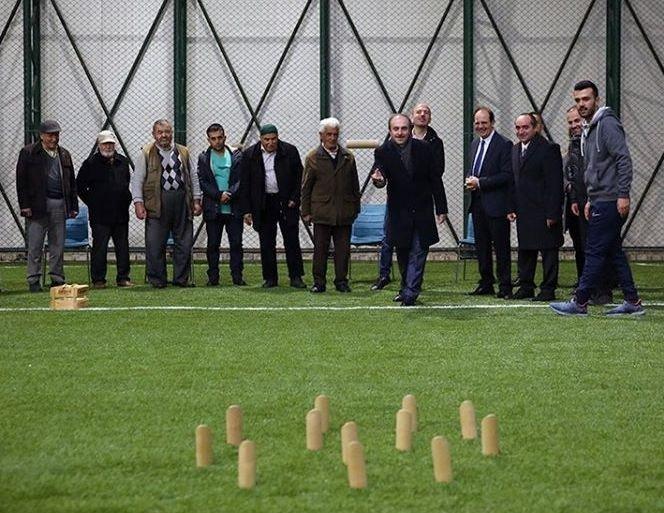 """Vali Cüneyt Epcim: """"Aktif yaşlanma süreçlerini destekliyoruz"""""""