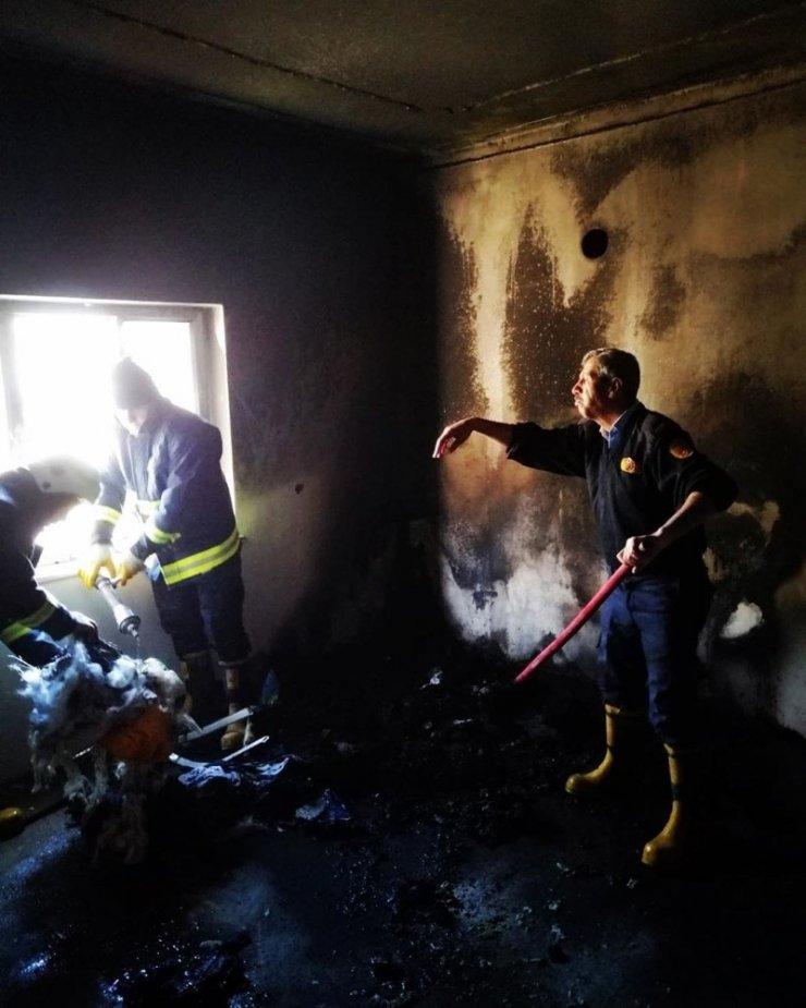 Gevaş'ta ev yangını
