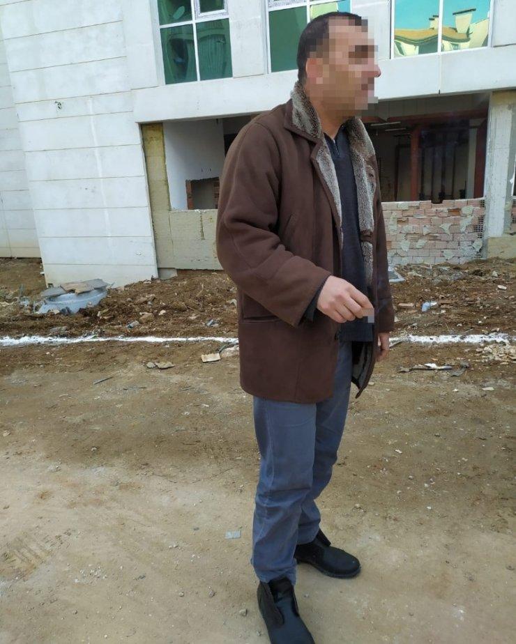 Okul önünde uyuşturucu satan şahsı JASAT yakaladı