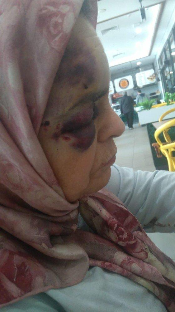 Şehir zorbası yaşlı çifti öldüresiyle dövdü