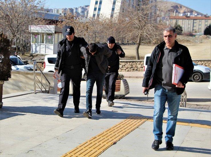 Elazığ'da hırsızlık şüphelisi 2 şahıs yakalandı