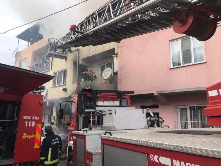 Bursa'da yangın...Yaşlı kadın yanarak can verdi