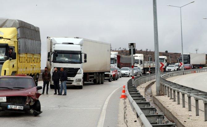 Burdur'da 5 araçlık zincirleme kaza: 1 yaralı