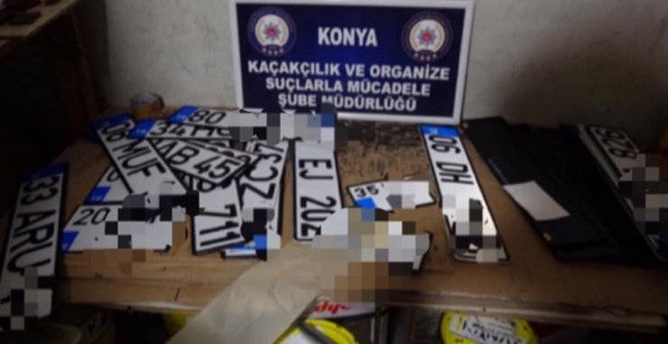 Konya'da sahte plaka basan kişilere operasyon:2 gözaltı