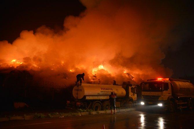 Adana'da pamuk fabrikasından yeniden alevler yükseldi