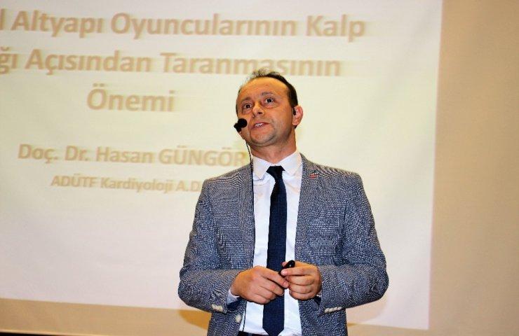 """Doç. Dr. Hasan Güngör: """"Çocuklarımızı saha içinde kaybetmemek için taramadan geçirmeliyiz"""""""