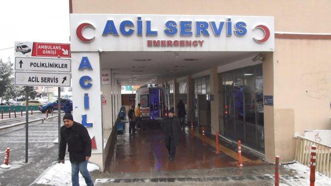 Şanlıurfa'da kar kazalara yol açtı: 9 yaralı