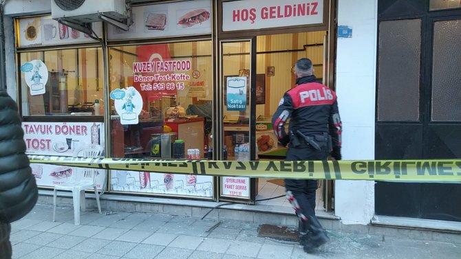 Dönerci dükkanda dayısını pompalı tüfekle öldürdü