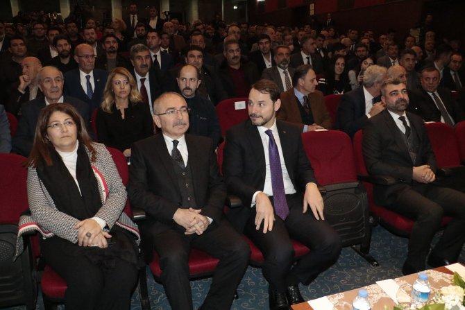 Bakan Albayrak: Türkiye, yeniden güçlü büyüme sürecine girmeye başladı