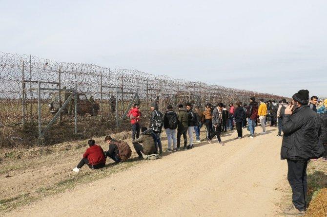 Mülteciler, Yunan sınırına dayandı