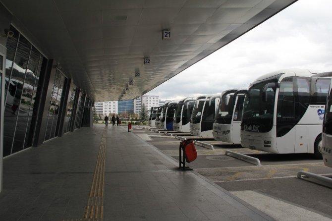 Çorum'da şehirlerarası terminal sessizliğe gömüldü