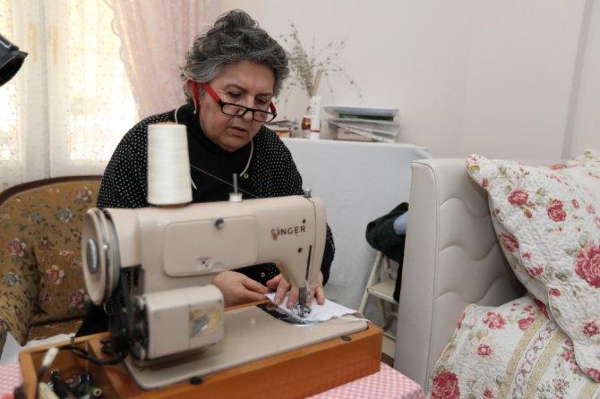 96 yaşındaki anne ile kızından örnek davranış