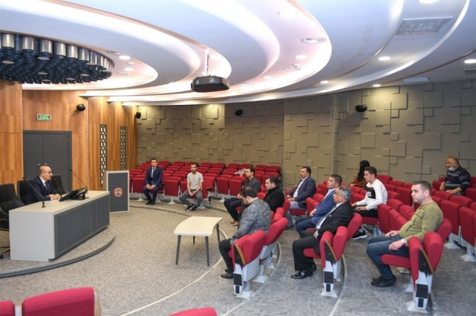 Suriyeli kanaat önderlerine korona uyarısı