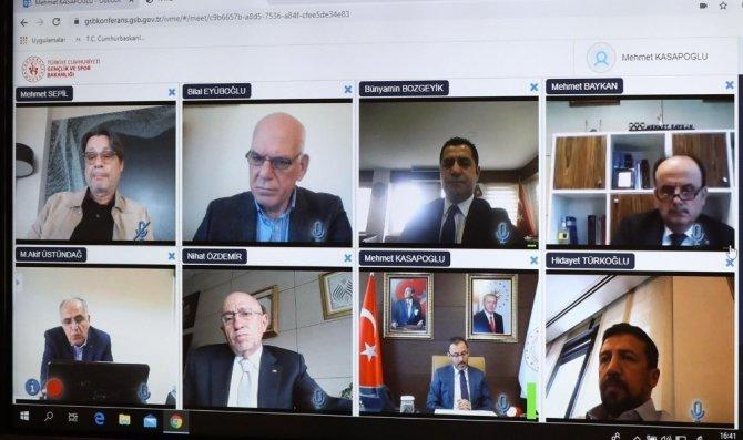 Bakan Kasapoğlu'dan federasyon ve kulüplere korona virüs uyarıları