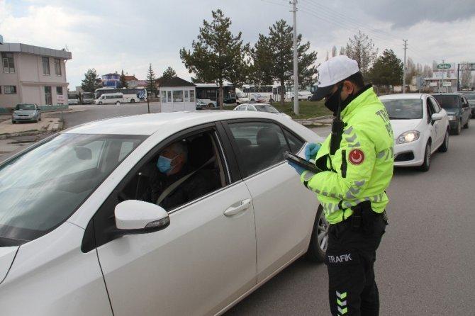 Polisin Korona virüs denetimleri sürüyor