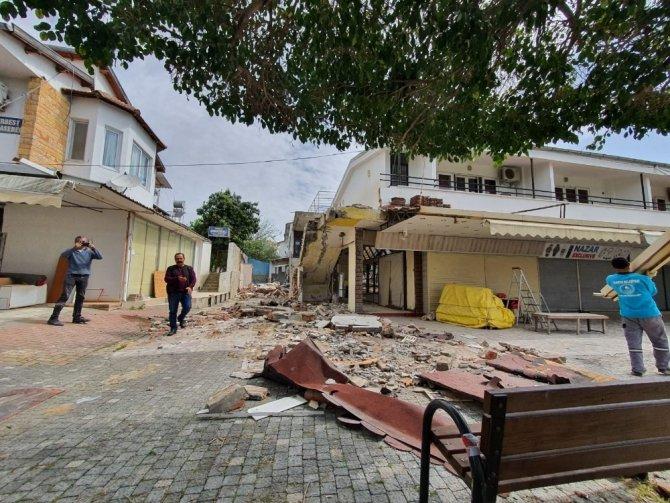 Alanya'da mimari projeye aykırı kaçak yapı yıkıldı
