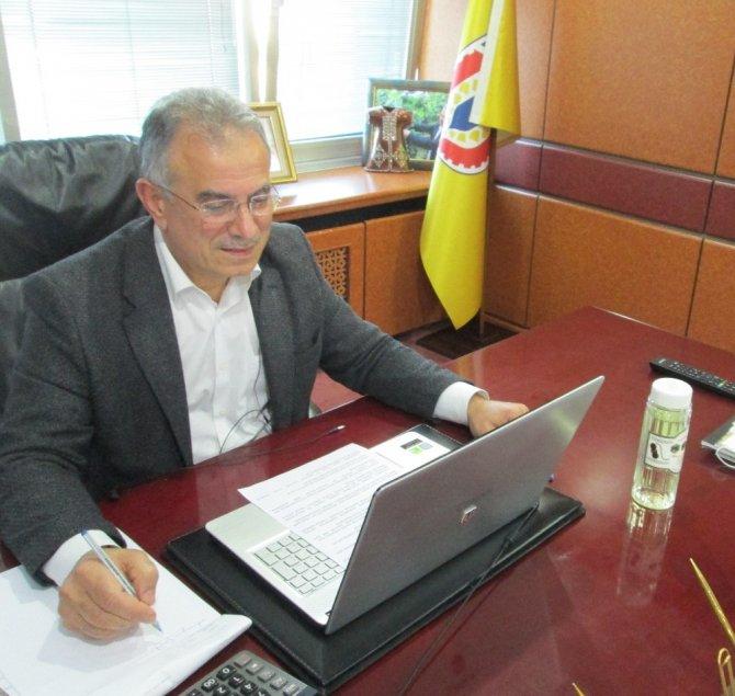 Tarım ve Orman Bakanı Pakdemirli, Ticaret Borsası başkanları ile telekonferans yöntemiyle buluştu