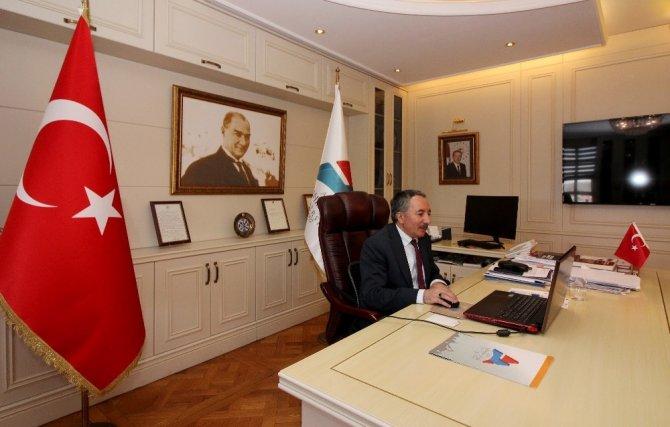 AİÇÜ Rektörü Prof. Dr. Karabulut, YÖK Başkanı ile telekonferans yöntemiyle toplantı yaptı