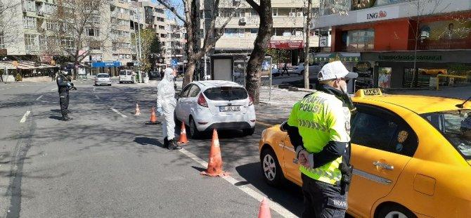Ankara'da sokağa çıkma yasağı öncesinde sıkı denetim