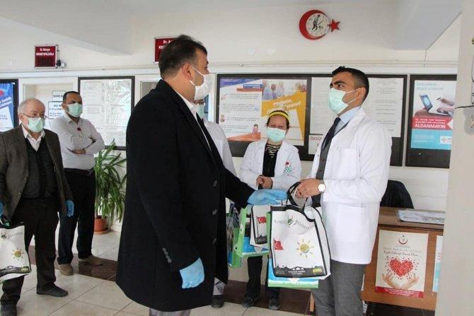 Başkan Şahiner'den sağlık çalışanlarına jest