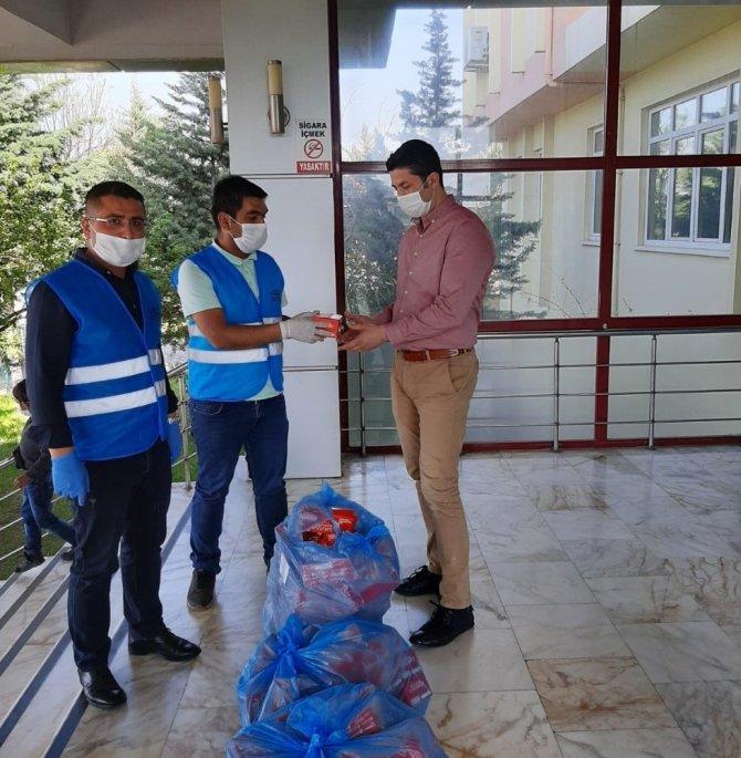 Büyükşehir'den kamu çalışanları ve esnafa maske desteği