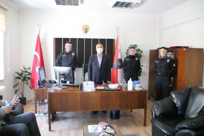 Gediz BİLSEM'den polise koruyucu siperlik