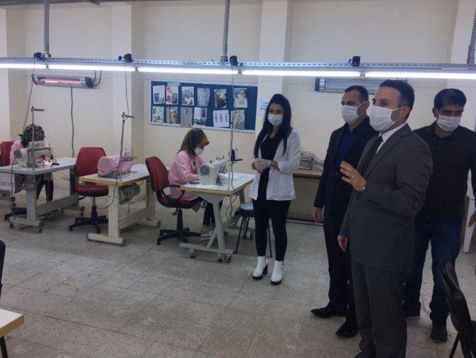 Kahta'da 10 bin koruyucu maske üretimine başlanıldı
