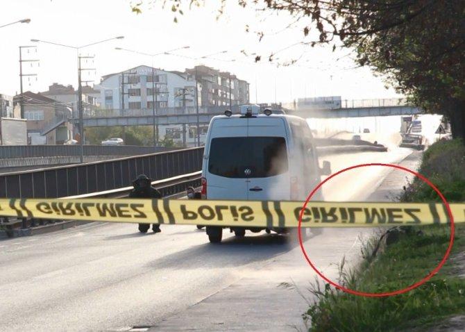 Yol kenarına bırakılan şüpheli çanta fünyeyle imha edildi