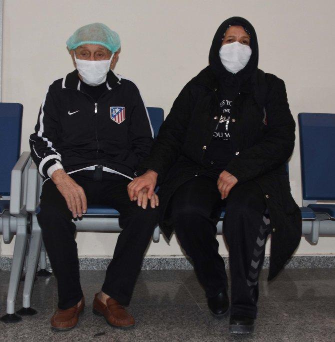 Konya'da 92 yaşındaki Alzheimer hastası, koronavirüsü yendi