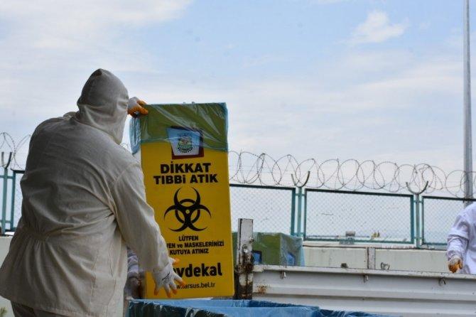 Tarsus Belediyesi, maske ve eldivenler için tıbbi atık kutuları hazırladı
